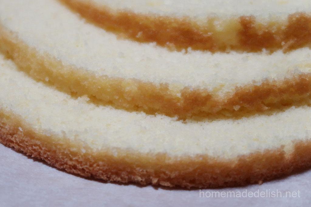 アーモンド風味のスポンジケーキ