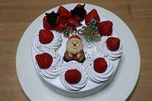 生クリームのクリスマスケーキのレシピ